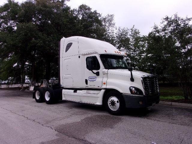 Sleeper Tractor-Heavy Duty Tractors-Freightliner-2012-Cascadia 12564ST-JACKSONVILLE-FL-468,053 miles-$18,000