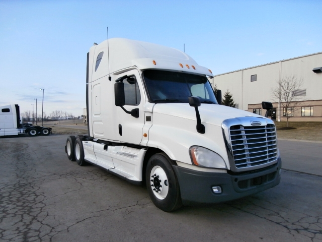 Sleeper Tractor-Heavy Duty Tractors-Freightliner-2012-Cascadia 12564ST-MIDDLEFIELD-OH-708,910 miles-$30,250