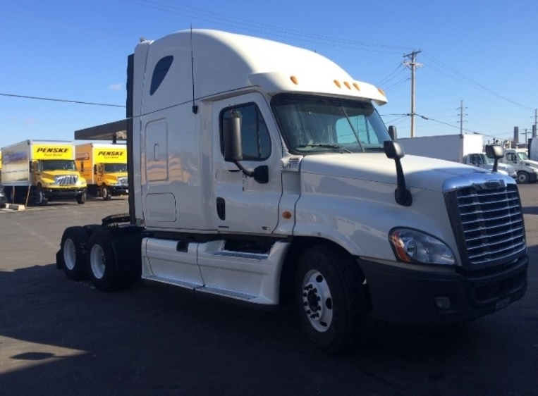 Sleeper Tractor-Heavy Duty Tractors-Freightliner-2012-Cascadia 12564ST-SWEDESBORO-NJ-482,159 miles-$38,500