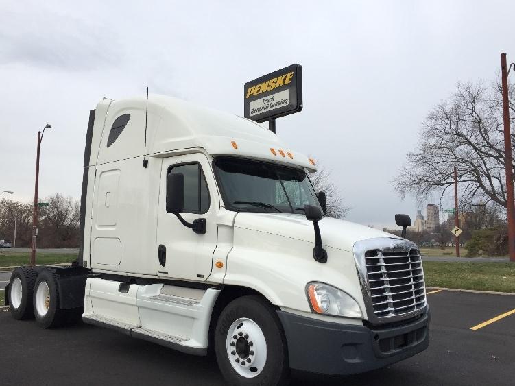 Sleeper Tractor-Heavy Duty Tractors-Freightliner-2012-Cascadia 12564ST-HARTFORD-CT-405,555 miles-$39,500