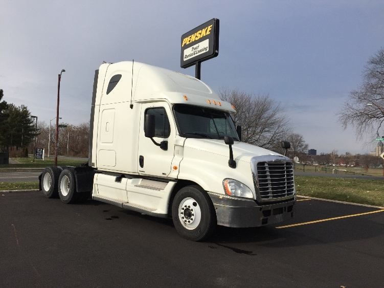 Sleeper Tractor-Heavy Duty Tractors-Freightliner-2012-Cascadia 12564ST-HARTFORD-CT-447,895 miles-$36,750