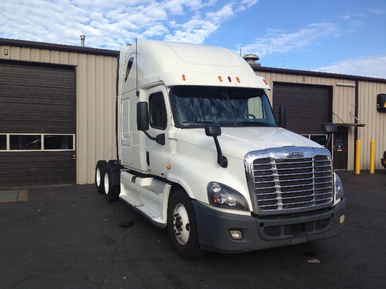 Sleeper Tractor-Heavy Duty Tractors-Freightliner-2012-Cascadia 12564ST-PORTLAND-OR-687,779 miles-$33,000