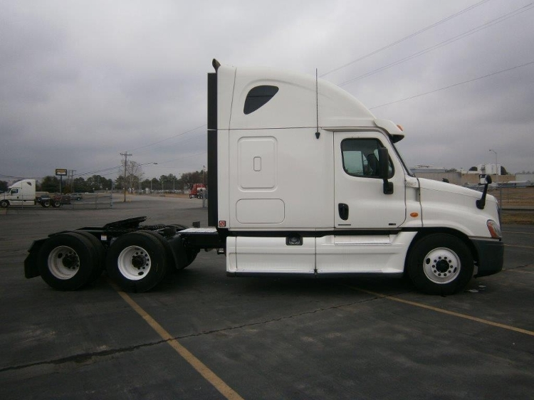 Sleeper Tractor-Heavy Duty Tractors-Freightliner-2012-Cascadia 12564ST-DECATUR-AL-549,190 miles-$35,250
