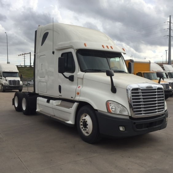 Sleeper Tractor-Heavy Duty Tractors-Freightliner-2012-Cascadia 12564ST-PLYMOUTH-MI-220,188 miles-$45,500