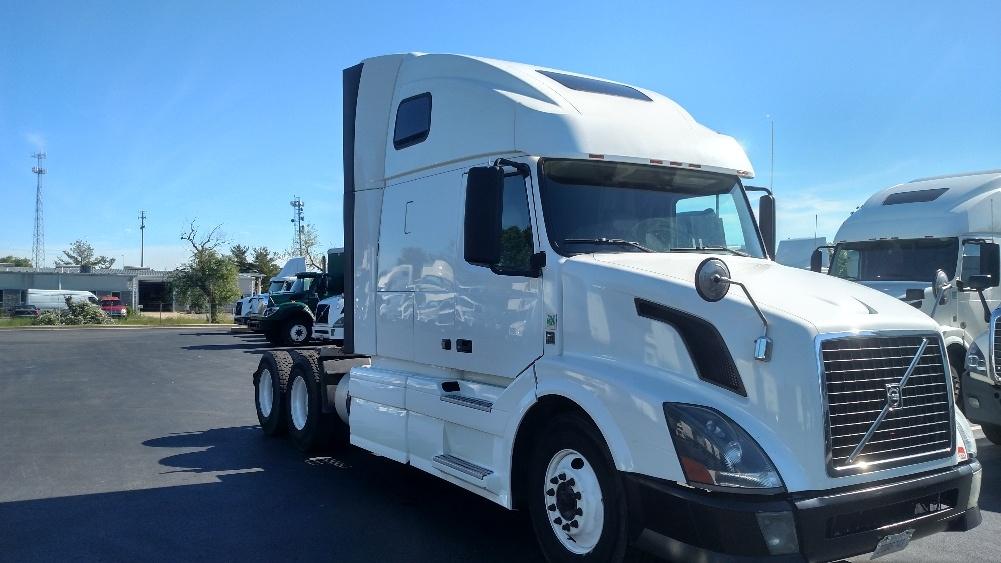 Sleeper Tractor-Heavy Duty Tractors-Volvo-2012-VNL64T670-NEW CASTLE-DE-399,798 miles-$37,000