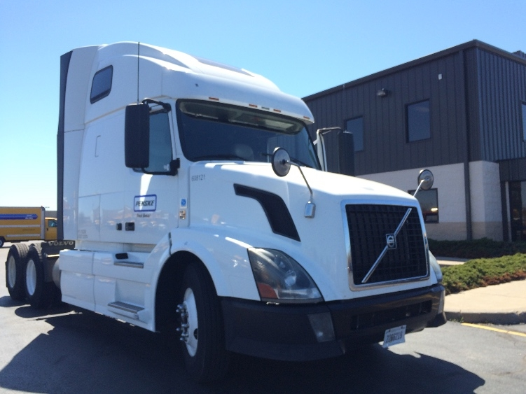 Sleeper Tractor-Heavy Duty Tractors-Volvo-2012-VNL64T670-PITTSBURGH-PA-590,100 miles-$33,000