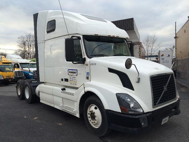 Sleeper Tractor-Heavy Duty Tractors-Volvo-2012-VNL64T670-WEST BABYLON-NY-400,721 miles-$41,500