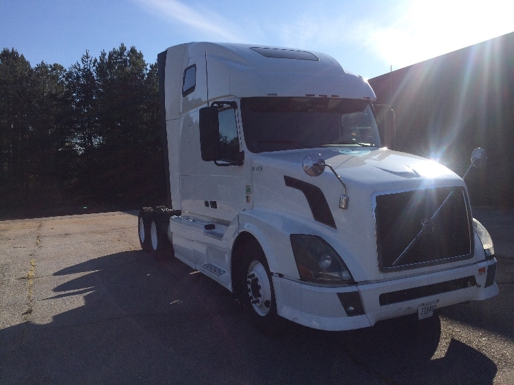 Sleeper Tractor-Heavy Duty Tractors-Volvo-2012-VNL64T670-SPARTANBURG-SC-714,671 miles-$31,250