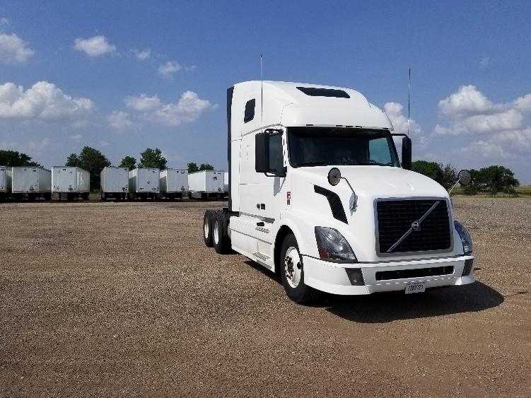 Sleeper Tractor-Heavy Duty Tractors-Volvo-2012-VNL64T670-SALINA-KS-716,329 miles-$33,000