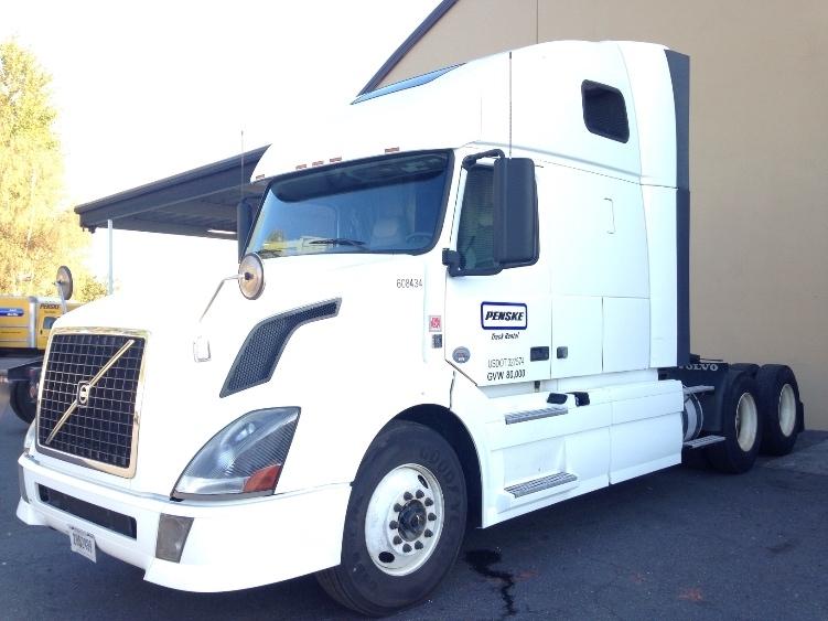 Sleeper Tractor-Heavy Duty Tractors-Volvo-2012-VNL64T670-HOUSTON-TX-546,670 miles-$31,000