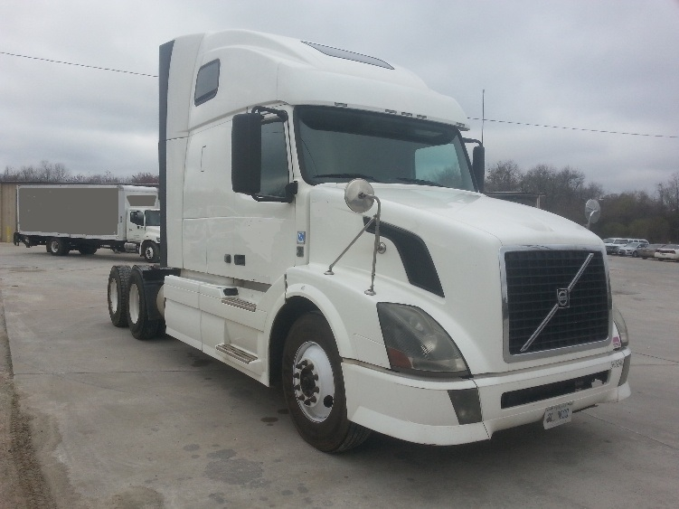 Sleeper Tractor-Heavy Duty Tractors-Volvo-2012-VNL64T670-FOREST PARK-GA-708,112 miles-$15,000