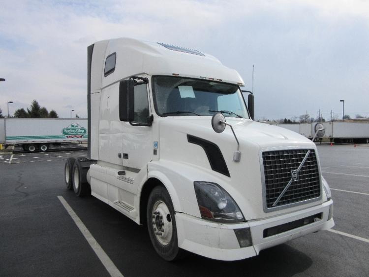 Sleeper Tractor-Heavy Duty Tractors-Volvo-2012-VNL64T670-LANCASTER-PA-495,061 miles-$38,250