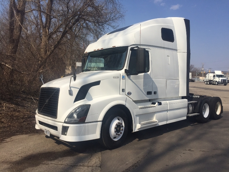 Sleeper Tractor-Heavy Duty Tractors-Volvo-2012-VNL64T670-KENTWOOD-MI-429,285 miles-$40,000