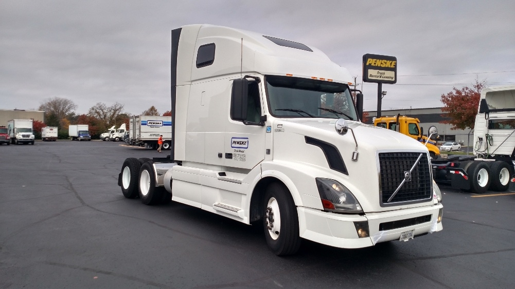 Sleeper Tractor-Heavy Duty Tractors-Volvo-2012-VNL64T670-INDIANAPOLIS-IN-626,683 miles-$33,000