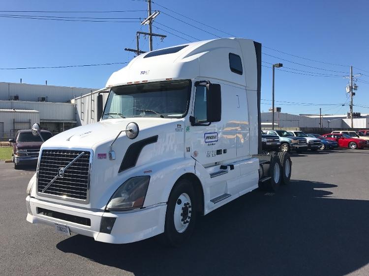 Sleeper Tractor-Heavy Duty Tractors-Volvo-2012-VNL64T670-HAMMOND-LA-361,966 miles-$37,750