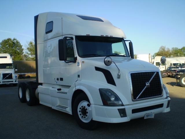 Sleeper Tractor-Heavy Duty Tractors-Volvo-2012-VNL64T670-BELDEN-MS-482,587 miles-$34,250