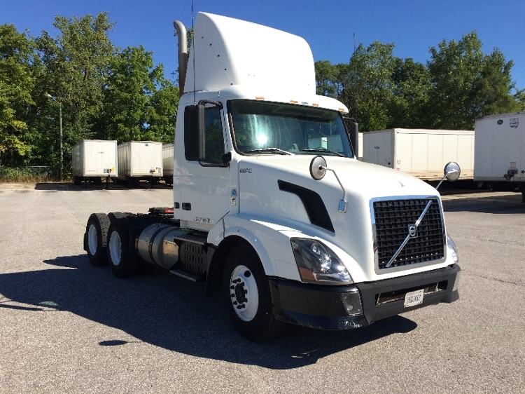 Day Cab Tractor-Heavy Duty Tractors-Volvo-2012-VNL64T300-FORT WAYNE-IN-662,123 miles-$26,500