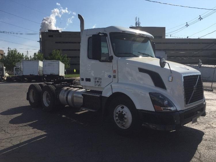 Day Cab Tractor-Heavy Duty Tractors-Volvo-2012-VNL64T300-LINDEN-NJ-217,008 miles-$33,000