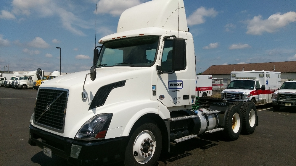 Day Cab Tractor-Heavy Duty Tractors-Volvo-2012-VNL64T300-EDISON-NJ-227,590 miles-$43,000