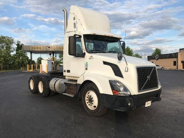 Day Cab Tractor-Heavy Duty Tractors-Volvo-2012-VNL64T300-NEW CASTLE-DE-342,001 miles-$37,500