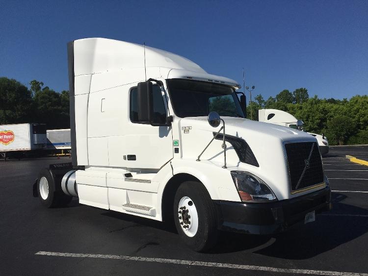 Sleeper Tractor-Heavy Duty Tractors-Volvo-2012-VNL42630-GREENSBORO-NC-615,887 miles-$28,500