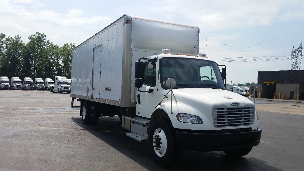 Medium Duty Box Truck-Light and Medium Duty Trucks-Freightliner-2012-M2-STE-FOY-PQ-216,280 km-$35,500