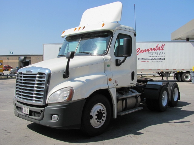 Day Cab Tractor-Heavy Duty Tractors-Freightliner-2012-Cascadia 12564ST-OMAHA-NE-521,670 miles-$40,250