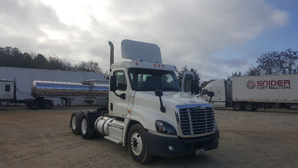 Day Cab Tractor-Heavy Duty Tractors-Freightliner-2012-Cascadia 12564ST-NEWBERRY-SC-333,976 miles-$35,500
