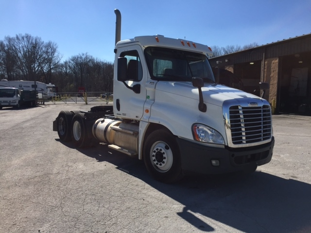 Day Cab Tractor-Heavy Duty Tractors-Freightliner-2012-Cascadia 12564ST-MADISON-AL-191,734 miles-$42,750