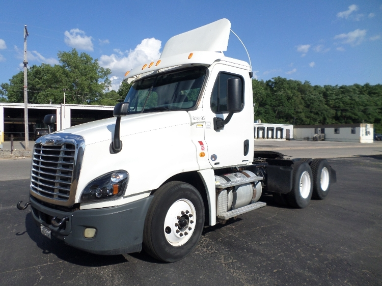 Day Cab Tractor-Heavy Duty Tractors-Freightliner-2012-Cascadia 12564ST-JACKSON-MI-393,094 miles-$33,750