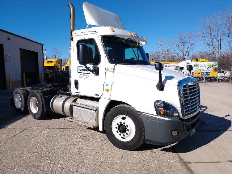 Day Cab Tractor-Heavy Duty Tractors-Freightliner-2012-Cascadia 12564ST-LANSING-MI-327,027 miles-$37,000