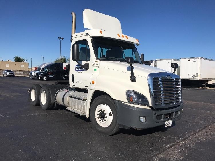 Day Cab Tractor-Heavy Duty Tractors-Freightliner-2012-Cascadia 12564ST-WARREN-MI-332,833 miles-$35,250