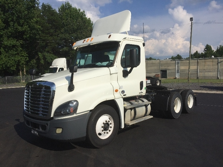 Day Cab Tractor-Heavy Duty Tractors-Freightliner-2012-Cascadia 12564ST-MEBANE-NC-317,537 miles-$35,750