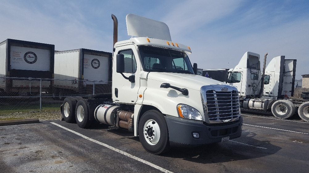 Day Cab Tractor-Heavy Duty Tractors-Freightliner-2012-Cascadia 12564ST-LOUISVILLE-KY-723,095 miles-$31,000