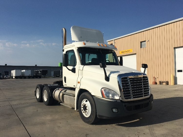 Day Cab Tractor-Heavy Duty Tractors-Freightliner-2012-Cascadia 12564ST-GOSHEN-IN-147,165 miles-$46,500