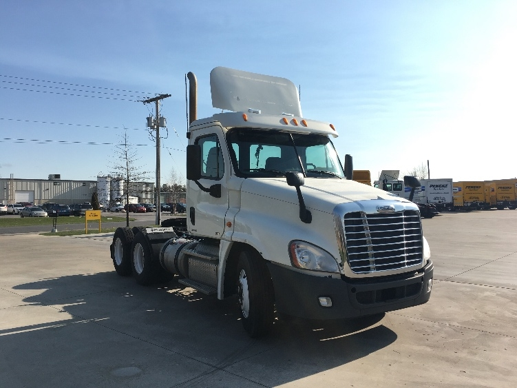 Day Cab Tractor-Heavy Duty Tractors-Freightliner-2012-Cascadia 12564ST-GOSHEN-IN-115,946 miles-$47,500
