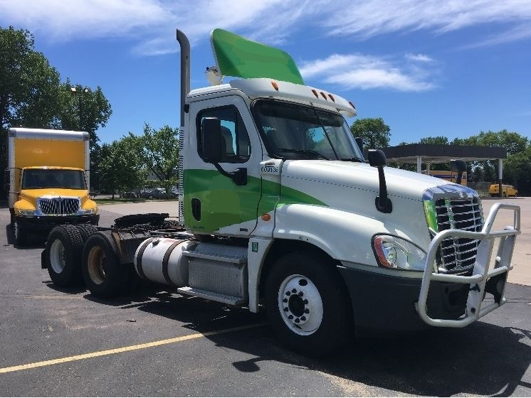 Day Cab Tractor-Heavy Duty Tractors-Freightliner-2012-Cascadia 12564ST-BROOKLYN PARK-MN-360,969 miles-$42,750