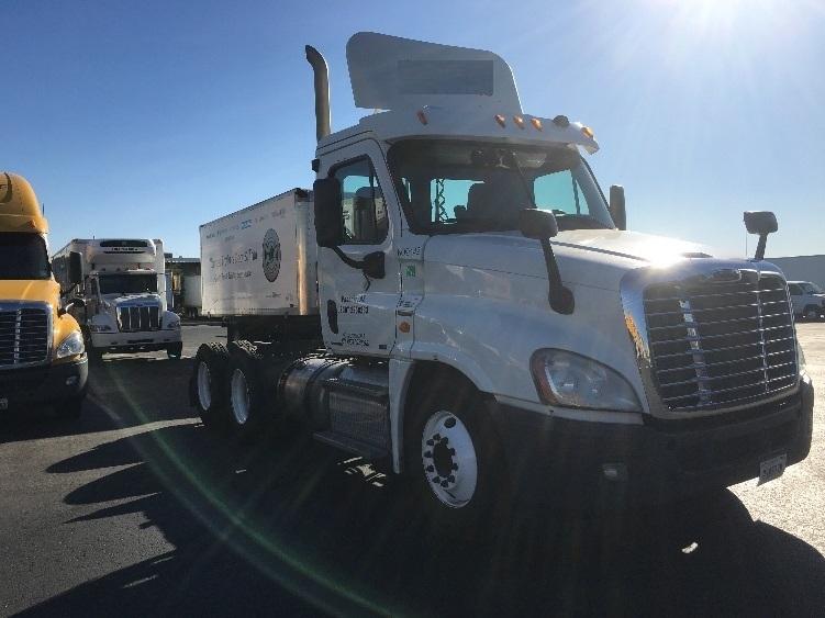 Day Cab Tractor-Heavy Duty Tractors-Freightliner-2012-Cascadia 12564ST-PHOENIX-AZ-500,772 miles-$36,000