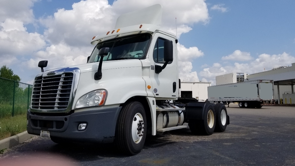 Day Cab Tractor-Heavy Duty Tractors-Freightliner-2012-Cascadia 12564ST-WIXOM-MI-496,611 miles-$30,500
