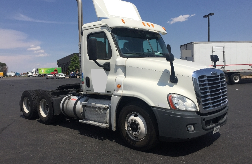 Day Cab Tractor-Heavy Duty Tractors-Freightliner-2012-Cascadia 12564ST-AURORA-CO-294,160 miles-$50,750