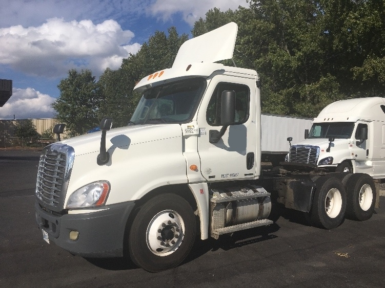 Day Cab Tractor-Heavy Duty Tractors-Freightliner-2012-Cascadia 12564ST-MEBANE-NC-445,670 miles-$34,250