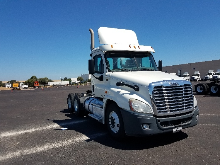 Day Cab Tractor-Heavy Duty Tractors-Freightliner-2012-Cascadia 12564ST-LAREDO-TX-627,492 miles-$27,250