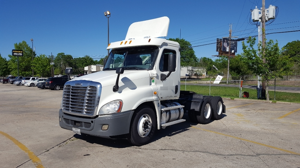Day Cab Tractor-Heavy Duty Tractors-Freightliner-2012-Cascadia 12564ST-HAMMOND-LA-354,808 miles-$43,750