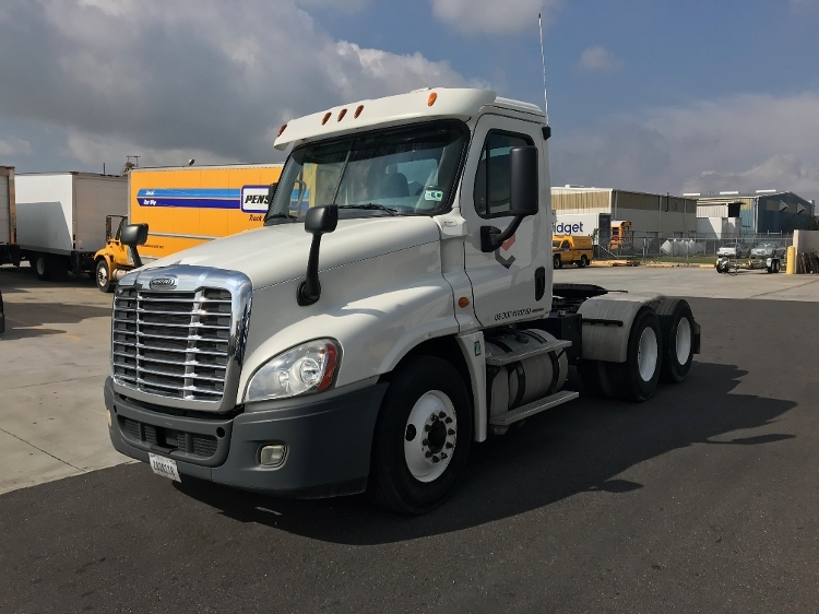 Day Cab Tractor-Heavy Duty Tractors-Freightliner-2012-Cascadia 12564ST-HARAHAN-LA-248,100 miles-$45,250