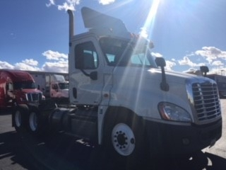 Day Cab Tractor-Heavy Duty Tractors-Freightliner-2012-Cascadia 12564ST-LAS VEGAS-NV-364,509 miles-$34,500
