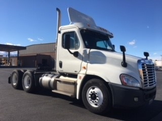 Day Cab Tractor-Heavy Duty Tractors-Freightliner-2012-Cascadia 12564ST-LAS VEGAS-NV-335,994 miles-$35,500