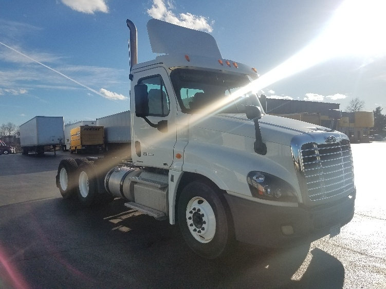 Day Cab Tractor-Heavy Duty Tractors-Freightliner-2012-Cascadia 12564ST-SPRINGFIELD-MO-294,832 miles-$37,000