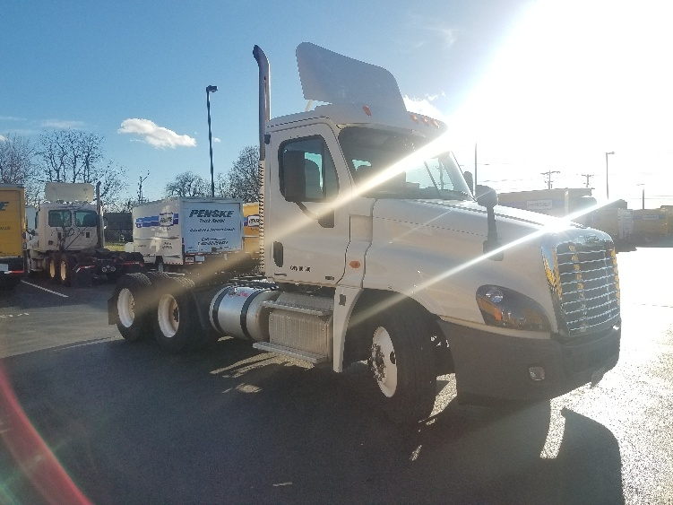 Day Cab Tractor-Heavy Duty Tractors-Freightliner-2012-Cascadia 12564ST-SPRINGFIELD-MO-252,978 miles-$38,500