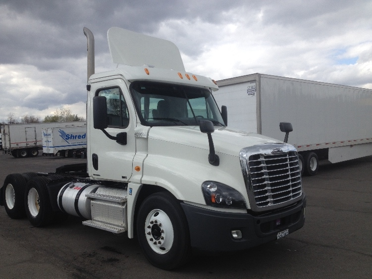 Day Cab Tractor-Heavy Duty Tractors-Freightliner-2012-Cascadia 12564ST-KANSAS CITY-MO-317,072 miles-$36,000