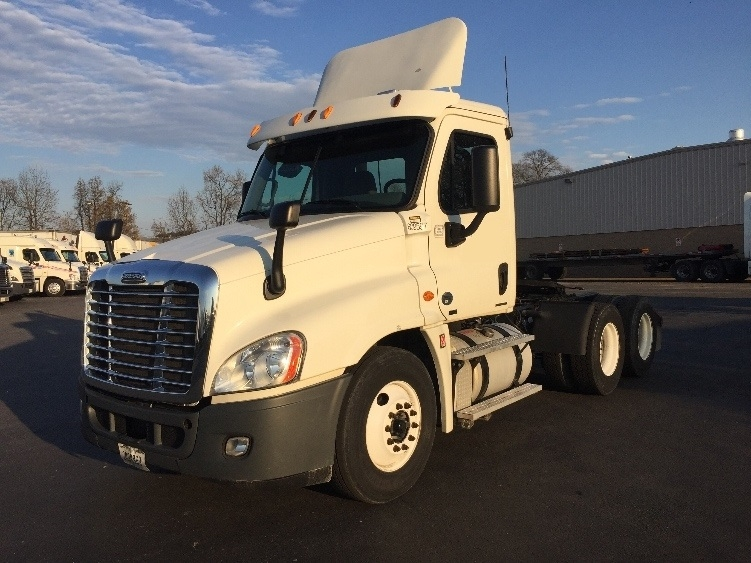 Day Cab Tractor-Heavy Duty Tractors-Freightliner-2012-Cascadia 12564ST-CLEVELAND-TN-519,788 miles-$26,750